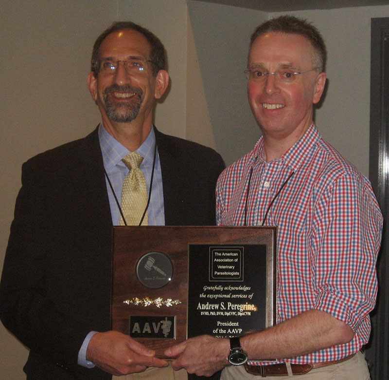 Ray Kaplan presenting award to Andrew Peregrine